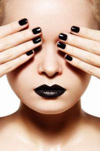 Dark-nails
